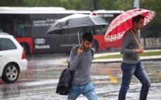 La caída de un rayo 'apaga' decenas de semáforos por toda Granada