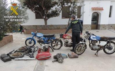 Roban en Fiñana motos clásicas y los pillan al venderlas por Internet