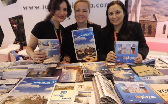 Costa de Almería se acerca a los profesionales turísticos de Andalucía