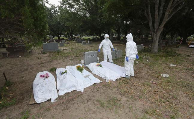Decenas de cuerpos sin identificar que aún esperan un nombre