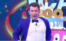 Arturo Valls la lía parda con su versión de 'Lo Malo' en el programa especial de ¡Ahora Caigo!