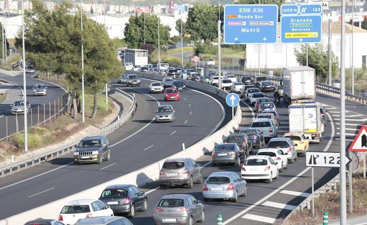 Una colisión entre tres vehículos provoca retenciones en la Circunvalación