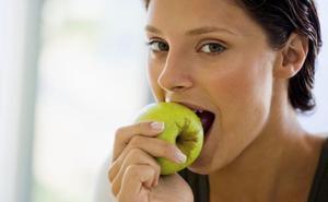 El serio error de comer fruta como postre: aviso importante de los nutricionistas