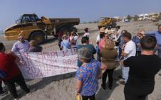 Vecinos de Motril mantienen el pulso de la protesta y paran por cuarto día las máquinas de Costas