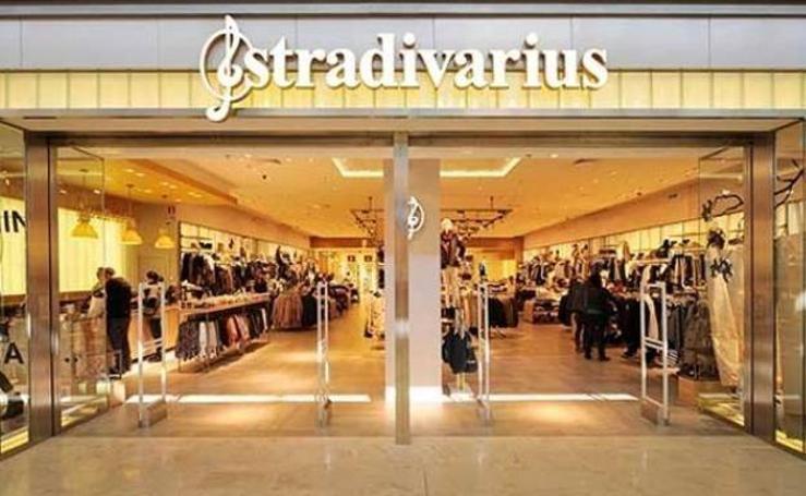El extraño pantalón que arrasa en Stradivarius