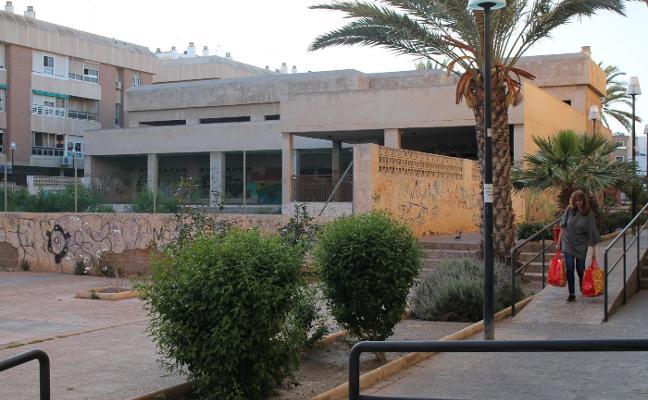 El Ayuntamiento expropiará la vieja guardería de Nueva Andalucía y se plantea hacer otra biblioteca