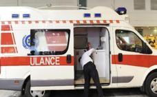 El conductor de una ambulancia se pierde en un atajo y el bebé que llevaba ahora está crítico
