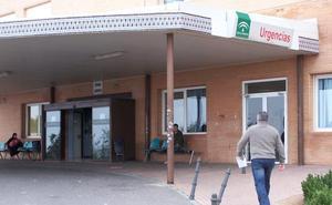 Médicos de Poniente dejarán la actividad complementaria hasta que se les pague