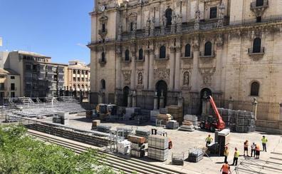 El torneo de pádel ante la Catedral de Jaén no deja a nadie indiferente