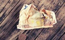 Cómo cambiar un billete que está roto o defectuoso por uno nuevo