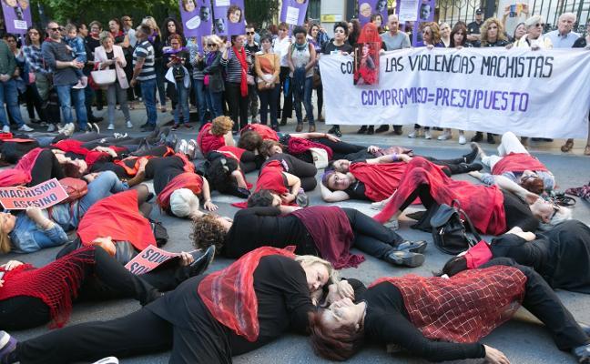 Más de mil personas piden en la calle recursos contra la violencia machista