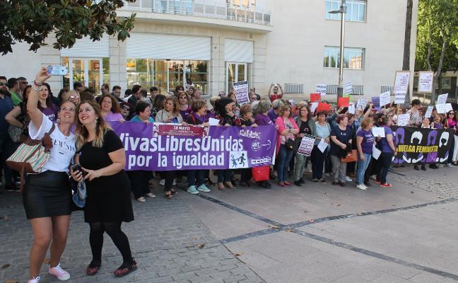 Jienenses reclaman los 200 millones prometidos contra la violencia de género