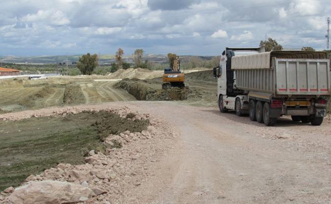 La construcción del Jaén Plaza llevará el agua potable al Realejo y reforzará Puente Tablas