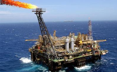 El diésel supera ya los 1,20 euros, y la gasolina los 1,30, por el alza del crudo