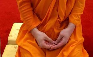 La insólita demanda de un monje a su templo por «exceso de trabajo»