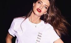 La admirada (y barata) camiseta de Sara Carbonero que puedes pagar a plazos