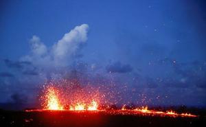 La erupción del volcán hawaiano Kilauea deja gigantescas nubes de cenizas