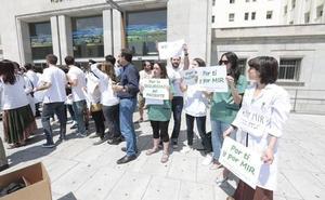 Un acuerdo para mejorar las Urgencias acaba con una semana de huelga de los MIR
