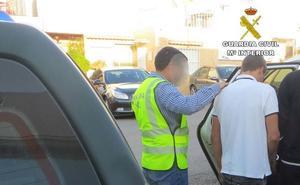 Detenido uno de los dos presuntos autores de un robo y una agresión en un edificio municipal en Níjar