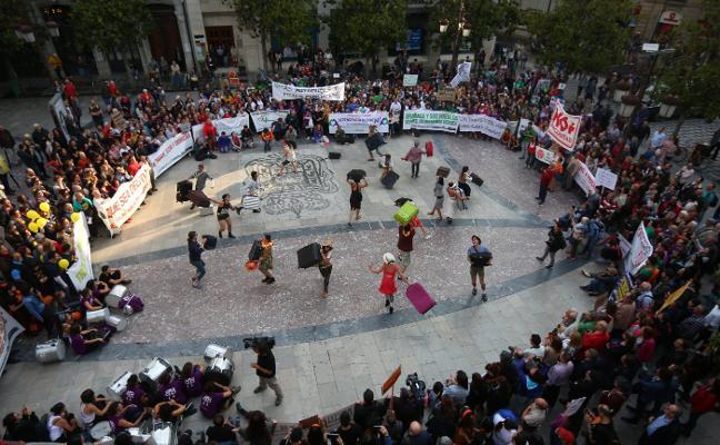 Cuarenta colectivos en defensa de Granada