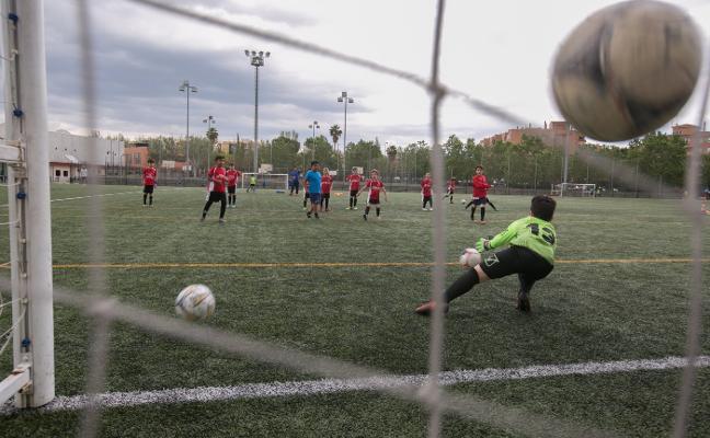 Campeones en ilusión: El equipo de Granada que ha encajado casi 300 goles pero es el mejor en formación y valores