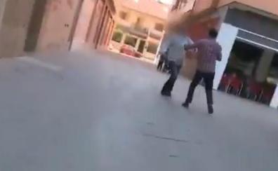 Brutal agresión en directo del secuestrador de Alcantarilla a un periodista de 'Espejo Público'