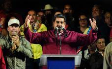 Maduro se aferra al poder y sus adversarios piden nuevos comicios en Venezuela