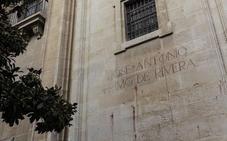 IU llevará al Parlamento la inscripción alusiva a Primo de Rivera en el entorno de la Catedral de Granada