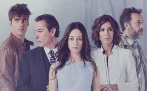 «El guion es flojísimo»: Duras críticas al estreno de la nueva serie de Telecinco
