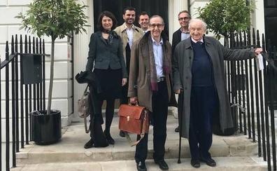 Un doctorando de la UGR defiende su tesis en la escuela de Arquitectura más antigua del Reino Unido