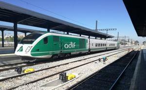 Los trenes en pruebas vuelven en la víspera de la comisión de seguimiento del AVE a Granada
