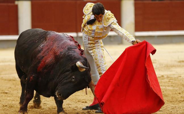 Las Ventas no premia a Curro Díaz que se «entregó» en su segundo festejo en San Isidro