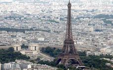La foto más espectacular que se recuerda de la Torre Eiffel en plena tormenta