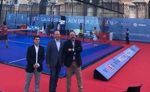 El alcalde de Jaén destaca la «espectacularidad» del World Padel Tour con la Catedral como telón de fondo