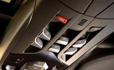 El vital botón que la DGT quiere implantar en todos los vehículos