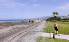 De la piscina de Playa Poniente al tranco de arena de Playa Granada