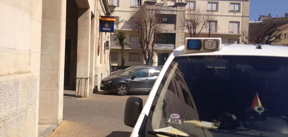 Detenido un hombre de 82 años por pegar a su mujer, enferma y encamada