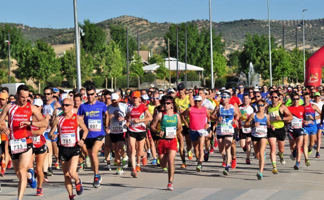 Más de mil corredores buscan esta tarde los espárragos de Huétor Tájar