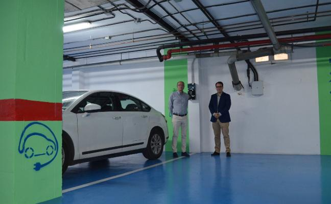 Diputación se suma a la movilidad eléctrica e instala puntos de carga de vehículos institucionales