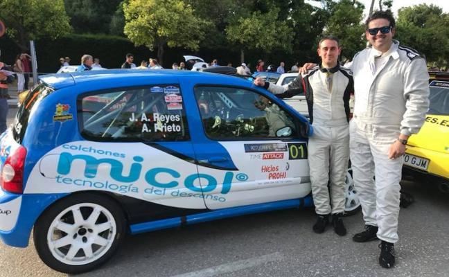 José Antonio Reyes y Alfonso Prieto se suben al podio en Jerez con su Clio Sport