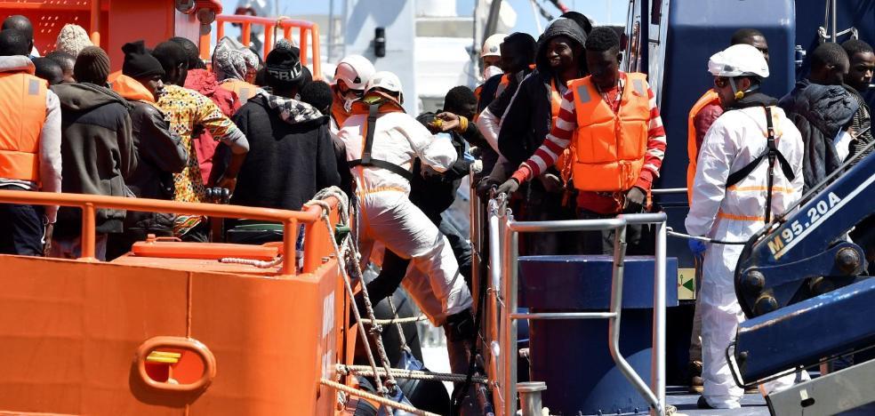 En Almería se rescata a 13 inmigrantes de media al día