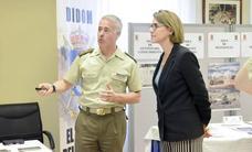 La ministra de Defensa visita el Mando de Adiestramiento y Doctrina del Ejército de Tierra