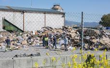 Entierran en Rumanía al joven que apareció muerto en la planta de cartones