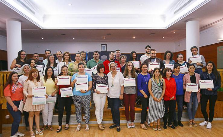 Entrega de diplomas a los alumnos de inglés y francés