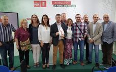 Julio Millán presenta sus avales y el PSOE proclama a los dos candidatos