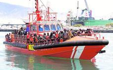 Rescatan a 177 personas de cuatro pateras en las que había un fallecido