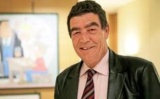 «Pido al nuevo Gobierno una ley educativa duradera y que prohíban los móviles en las Cortes»