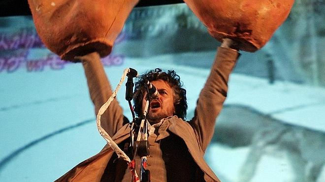 Los Flaming Lips homenajean a los Beatles con Moby, MGMT, Miley Cyrus y Foxygen