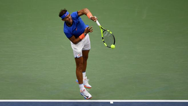 Nadal cae con honores