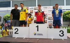 El Club de Natación Ciudad de Adra conquista el podium en Churriana